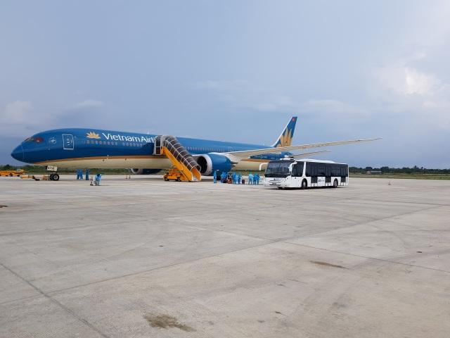 """Hơn 700 du khách tại """"điểm nóng"""" Đà Nẵng sắp về Hà Nội, TPHCM - 1"""
