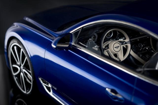 Cận cảnh chiếc xe Bentley mô hình 1:8 làm lâu công hơn cả ô tô thật - 6