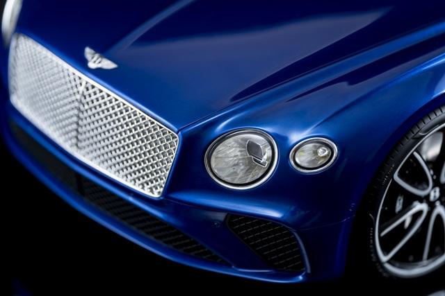 Cận cảnh chiếc xe Bentley mô hình 1:8 làm lâu công hơn cả ô tô thật - 5