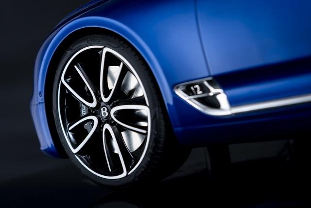 Cận cảnh chiếc xe Bentley mô hình 1:8 làm lâu công hơn cả ô tô thật - 7