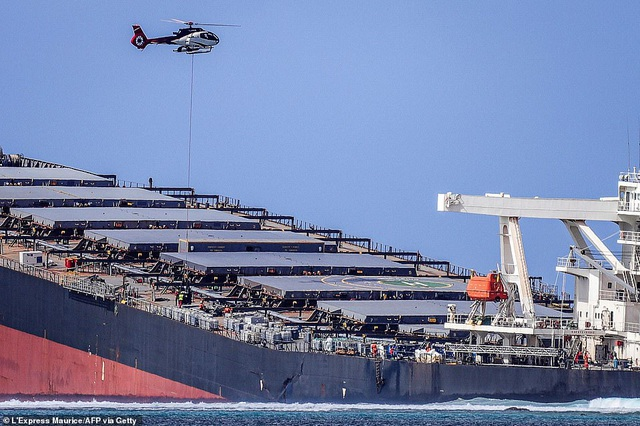4.000 tấn dầu tràn ra biển, thảm họa sinh thái đe dọa quốc đảo thiên đường - 4