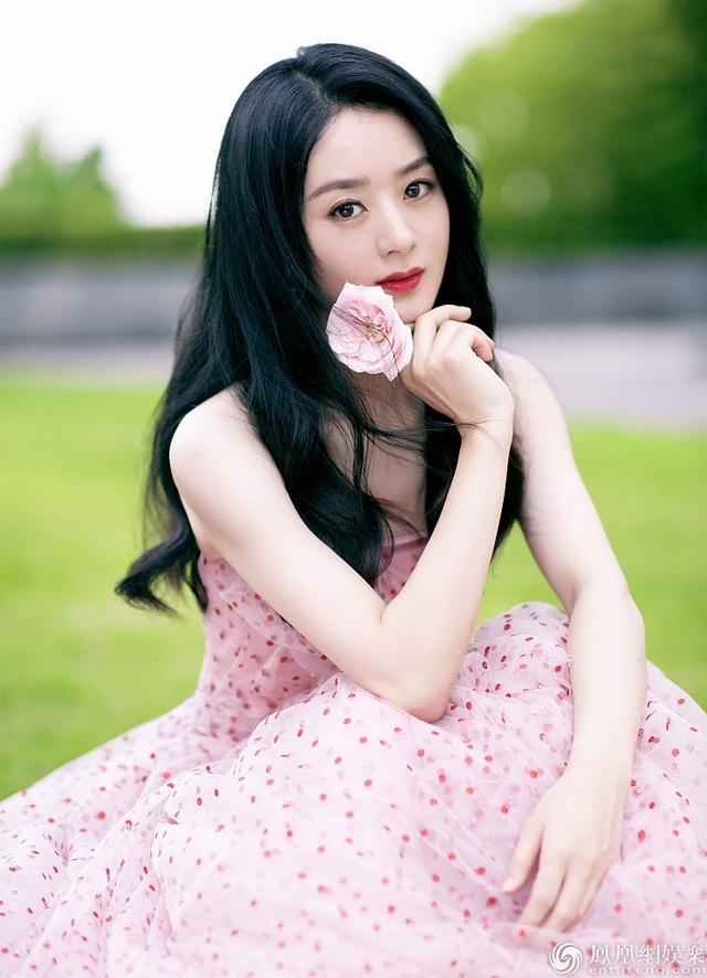 Triệu Lệ Dĩnh phớt lờ tin đồn ly hôn Phùng Thiệu Phong - 4