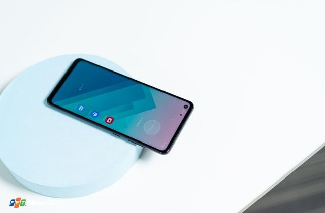 Bộ ba smartphone Samsung giá rẻ đáng sở hữu tại FPT Shop - 2