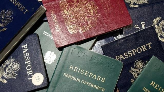 Giới siêu giàu đổ tiền mua hộ chiếu để trốn đại dịch Covid-19 - 1
