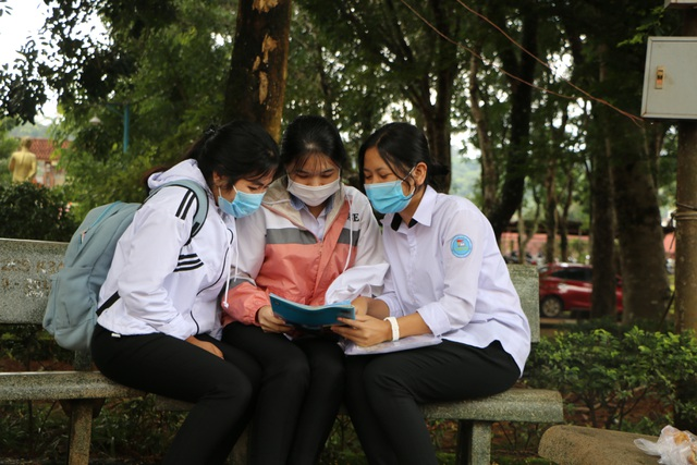 Thí sinh nhận xét: Bài thi tổ hợp Xã hội vừa sức, bài Tự nhiên khó hơn - 18