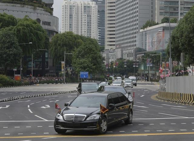 Soi chiếc SUV hạng sang ông Kim Jong-un lái đi thăm vùng lũ - 5