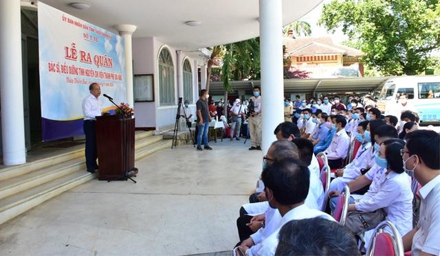 Bác sĩ và điều dưỡng Thừa Thiên Huế ra quân chi viện Đà Nẵng chống Covid-19 - 1