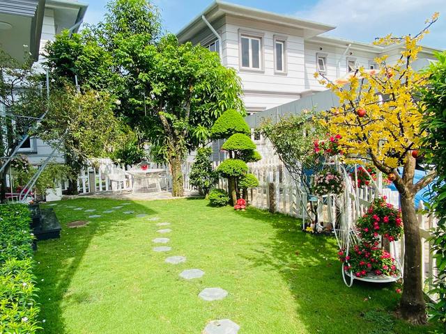 """Căn biệt thự có khu vườn """"hoa nở suốt 4 mùa"""" đẹp tuyệt ở Sài Gòn - 1"""