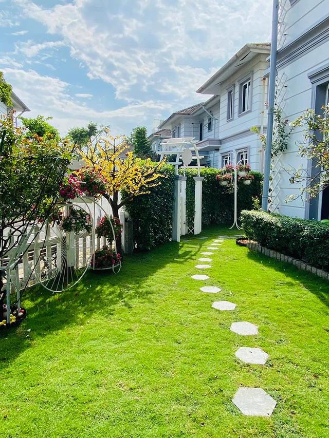 """Căn biệt thự có khu vườn """"hoa nở suốt 4 mùa"""" đẹp tuyệt ở Sài Gòn - 7"""