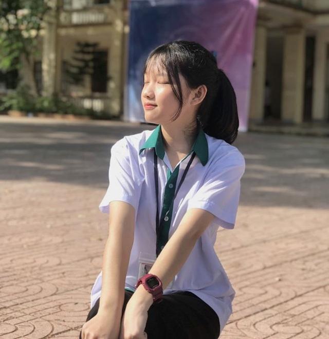 Nữ tình nguyện viên phố núi gây thương nhớ trong kỳ thi tốt nghiệp THPT - 4