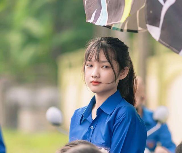 Nữ tình nguyện viên phố núi gây thương nhớ trong kỳ thi tốt nghiệp THPT - 1