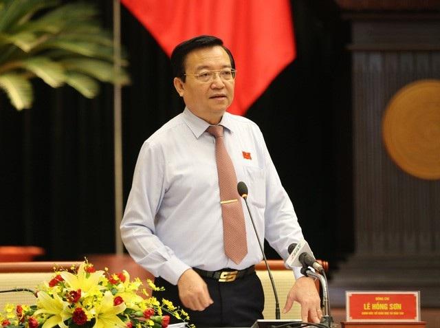 Giám đốc Sở bị phê bình nghiêm khắc sau vụ đi học tập nước ngoài - 1