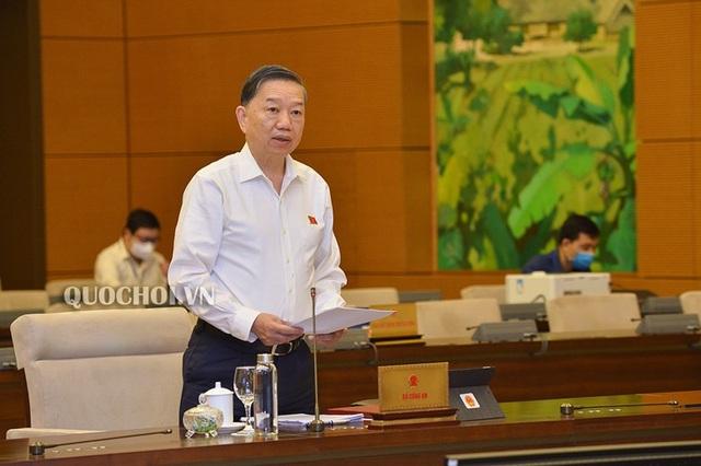 Bộ trưởng Công an nói về dự định gắn chip trên thẻ căn cước công dân - 1