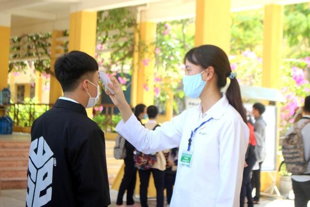 Quảng Nam: Tổ chức kỳ thi tốt nghiệp THPT an toàn giữa lúc dịch bùng phát - 2