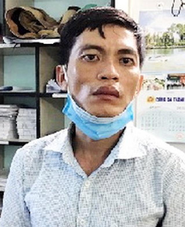 Bị vây bắt, đối tượng buôn bán ma túy lao thẳng xe vào công an - 1