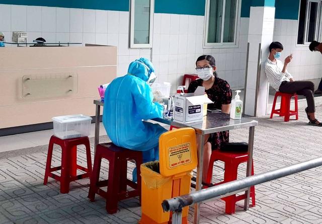 Lập 10 đội phản ứng nhanh, tăng tốc xét nghiệm SARS-CoV-2 - 1