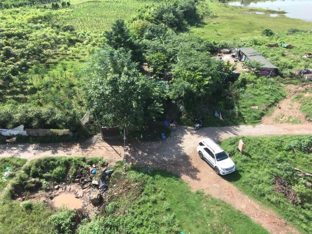 """Vụ dân nói có """"BOT lạ"""" ở bãi sông Hồng: Quận Long Biên yêu cầu báo cáo - 1"""