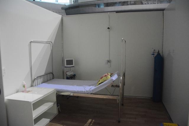 Cận cảnh bệnh viện dã chiến điều trị Covid-19 trước giờ kích hoạt - 7