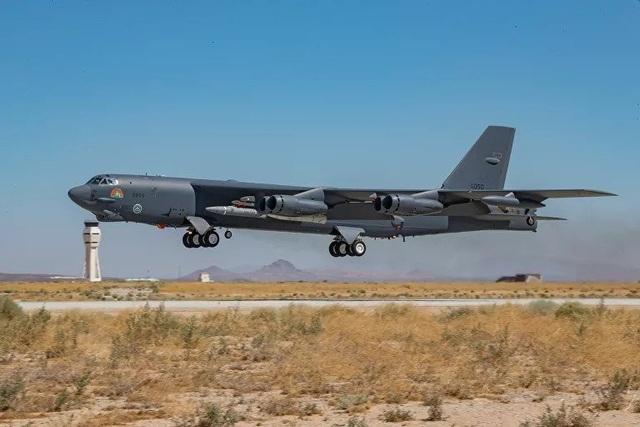 """""""Pháo đài bay"""" B-52 Mỹ thử nghiệm tích hợp thành công tên lửa siêu thanh - 3"""