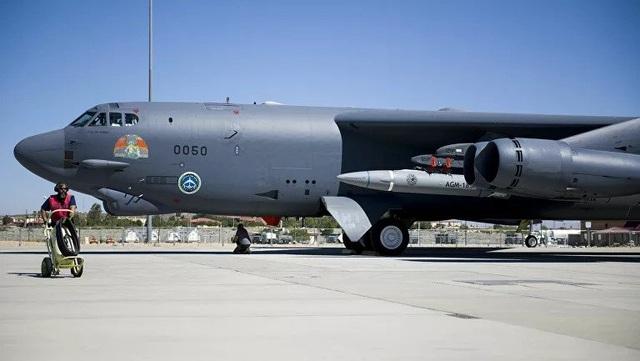"""""""Pháo đài bay"""" B-52 Mỹ thử nghiệm tích hợp thành công tên lửa siêu thanh - 1"""