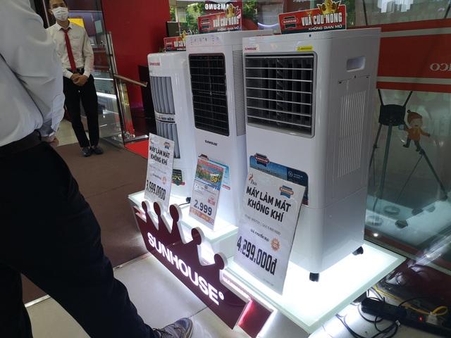 Chú ý khi mua hàng điện tử trưng bày giảm tới 70% so với giá bán mới - 7