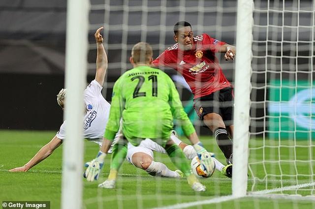 13 pha cứu thua xuất thần của thủ thành Copenhagen trước Man Utd - 5