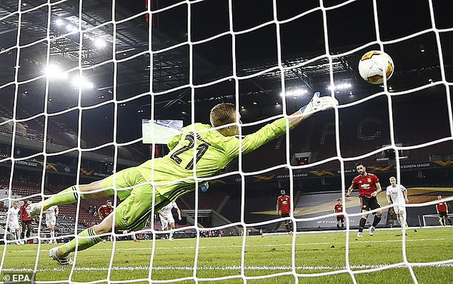 13 pha cứu thua xuất thần của thủ thành Copenhagen trước Man Utd - 1