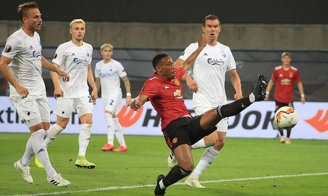 """Man Utd có thể """"lết"""" tới đỉnh cao với những đôi chân mệt mỏi? - 2"""