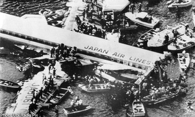 Máy bay rơi 35 năm trước bỗng xuất hiện trên bản đồ bay gây hoang mang - 1