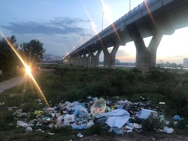 """Hà Nội: Vì sao phường Long Biên để dân """"quản lý giúp"""" bãi sông Hồng? - 2"""