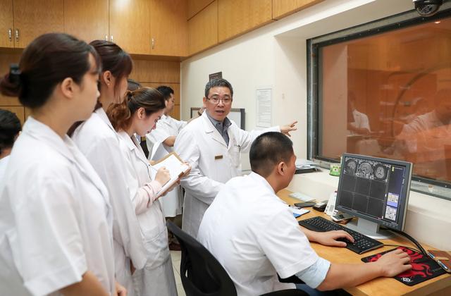 ĐH Quốc gia HN định hướng trở thành đại học nghiên cứu và đổi mới sáng tạo - 2