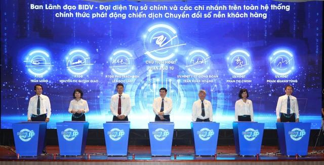 Đẩy mạnh chuyển đổi số, BIDV xác định: Lấy khách hàng là trung tâm - 1