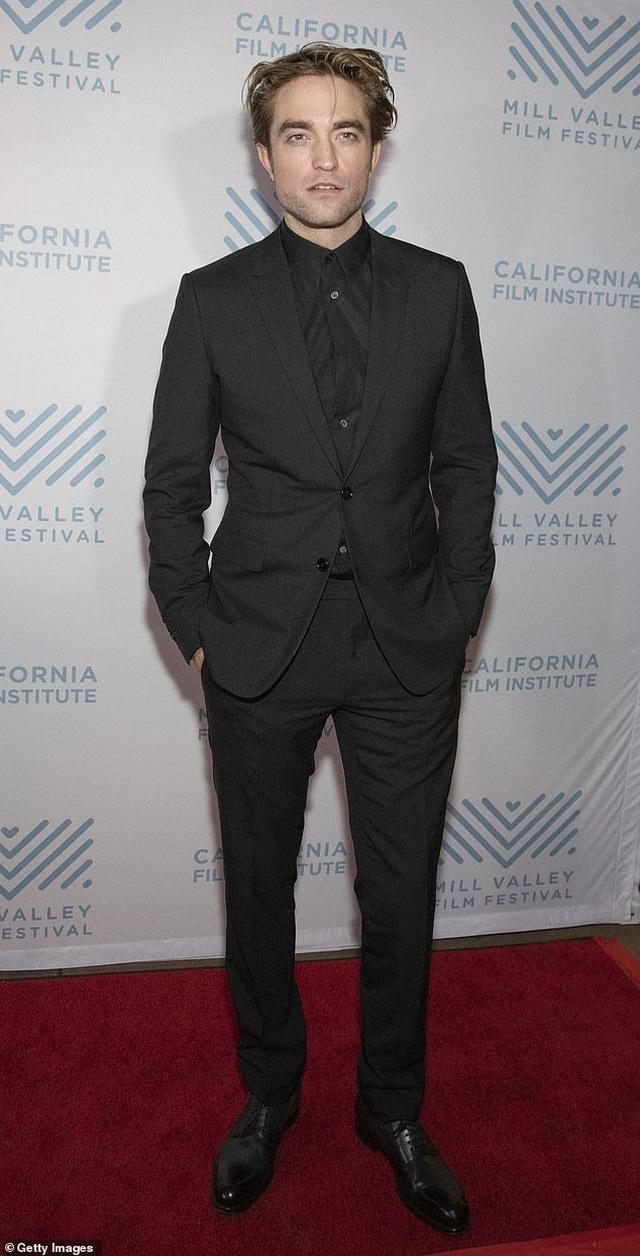 """""""Người đẹp trai nhất thế giới"""" Robert Pattinson làm gì sau """"Chạng vạng""""? - 2"""