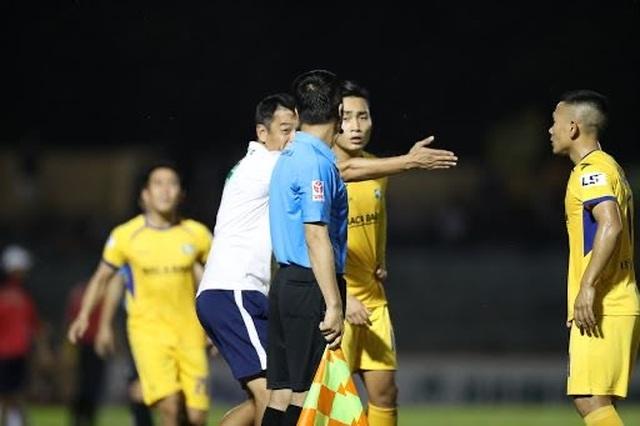 V-League tính đến phương án phải huỷ vì dịch Covid-19 - 1