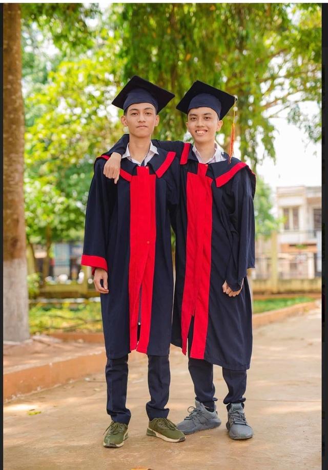 Đau nhói lòng cảnh cậu học trò hai lần lỗi hẹn với kì thi tốt nghiệp THPT - 2