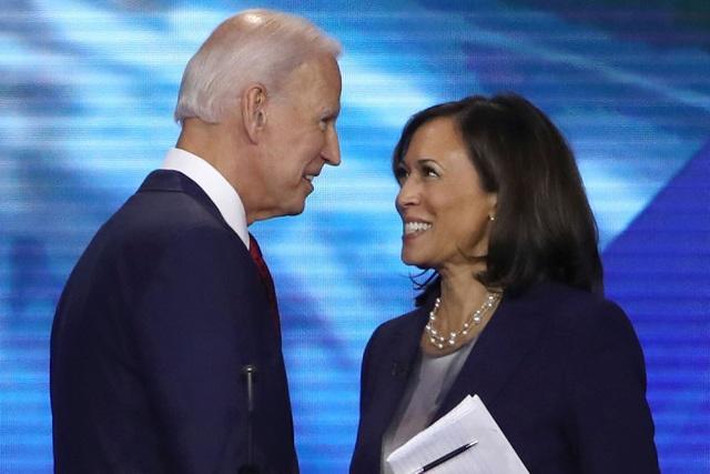Ông Biden chọn nữ nghị sĩ gốc Á làm ứng viên phó tổng thống - 1