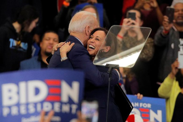 Chân dung phó tướng mang dòng máu lai Ấn-Phi của ông Joe Biden - 16
