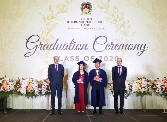 Chia sẻ câu chuyện lãnh đạo ở tuổi 18 của bộ đôi Đại diện Nam sinh  Nữ sinh trường BIS Hà Nội - 1