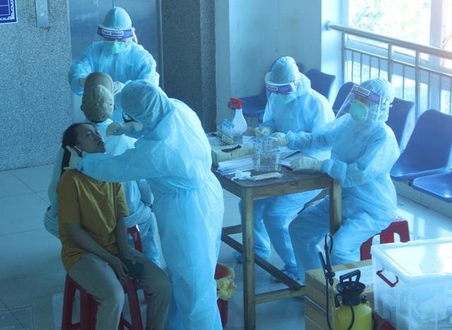 Quảng Trị: Khẩn tìm hơn 300 người đã xuất viện liên quan bệnh nhân Covid-19 - 1