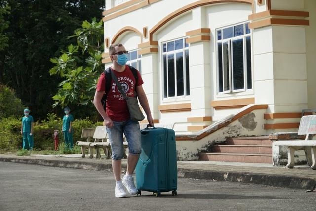 Bệnh nhân Covid-19 người Serbia: Y bác sĩ chăm sóc tôi như người thân - 2