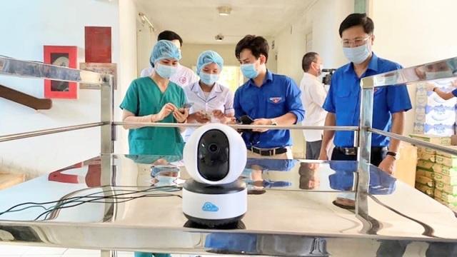 """""""Robot vận chuyển"""" hỗ trợ nhân viên y tế khu cách ly - 2"""