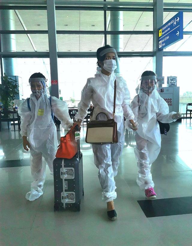 Hồng Nhung và các con đã về nhà sau khi hoàn thành 14 ngày cách ly - 1