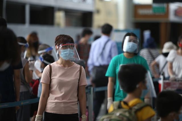 Du khách rời Đà Nẵng về Hà Nội hẹn hết dịch sẽ quay trở lại - 5