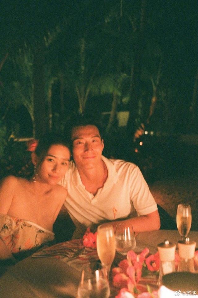 Hình ảnh ngọt ngào của tài tử Đậu Kiêu bên con gái vua sòng bạc Macau - 6