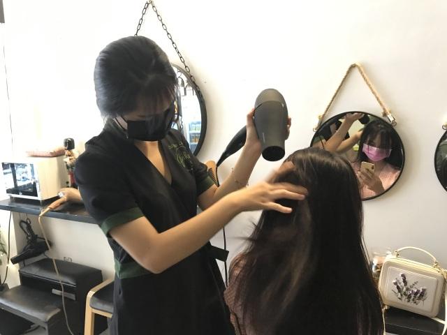 Con khát khao chọn nghề tạo mẫu tóc, mẹ quyết liệt can thiệp - 2