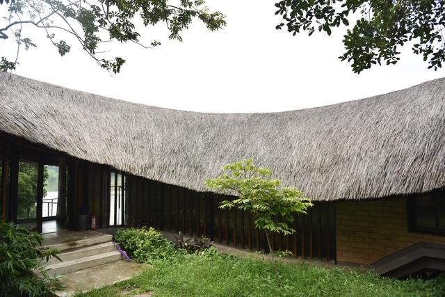 Loạt nhà mái lá ấn tượng của Việt Nam, báo Tây cũng khen nức nở - 4