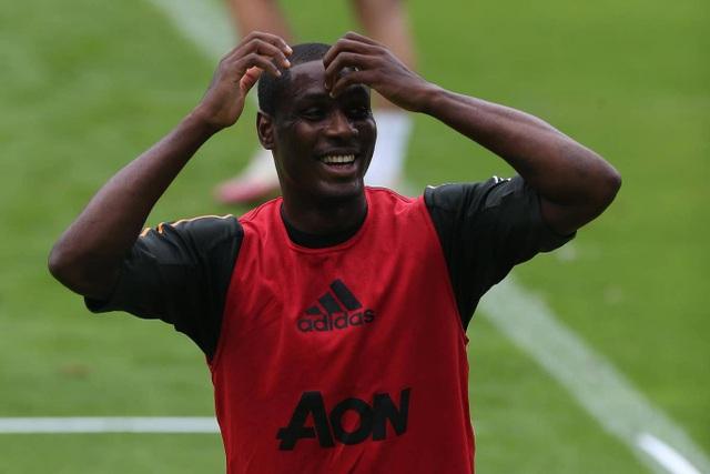 Pogba, Fernandes thoải mái phô diễn kỹ năng trên sân tập của Man Utd - 22