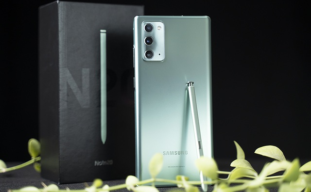 Hệ thống bán lẻ chơi lớn: Đổi miễn phí Galaxy Note 10+ lấy Note 20 - 1