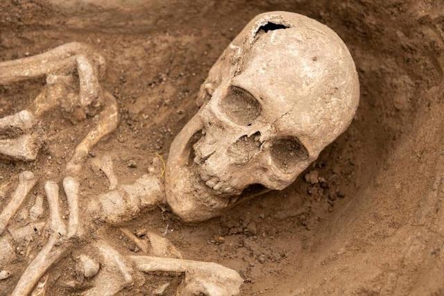 Phát hiện nghĩa địa thời trung cổ còn nguyên vẹn các bộ hài cốt - 12