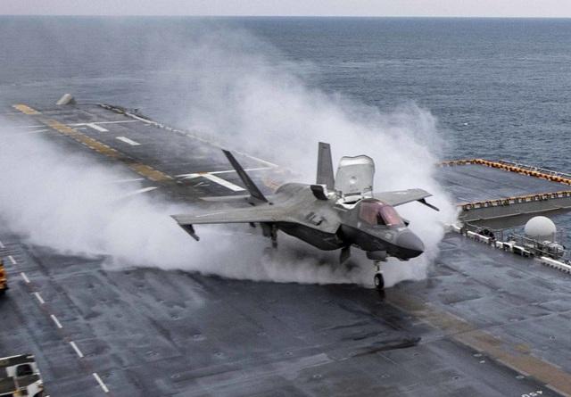 Hàn Quốc sắp đóng tàu sân bay đầu tiên - 1